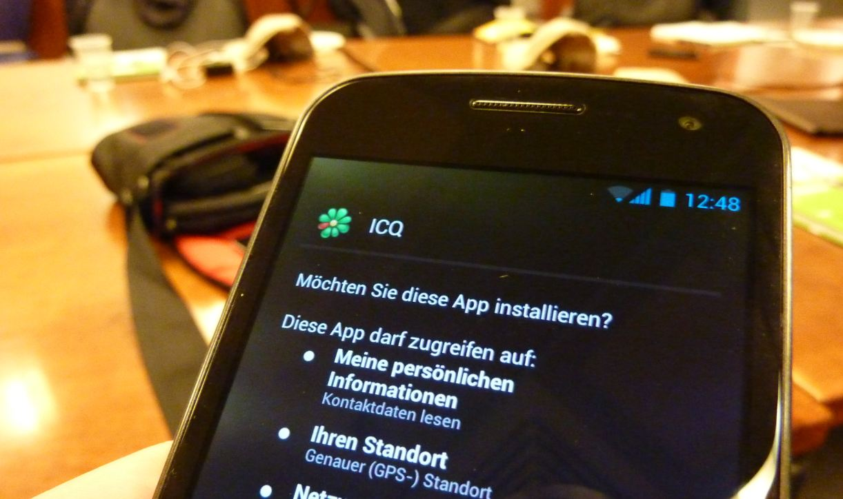 Android beta chat ICQ instant messaging iOS iPad iphone