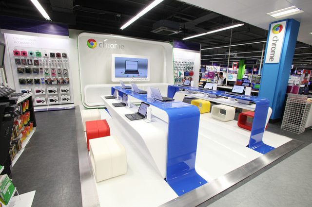 chromebooks Google google glasses Google Stores Motorola nexus shopping shops Smartphones Store Tablets