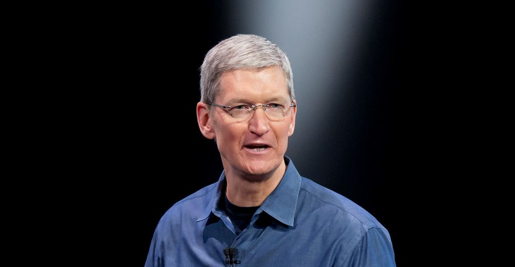Apple iOS iphone pay tim cook watch
