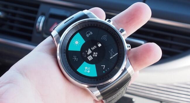 CES2015 LG smartwatch webOS
