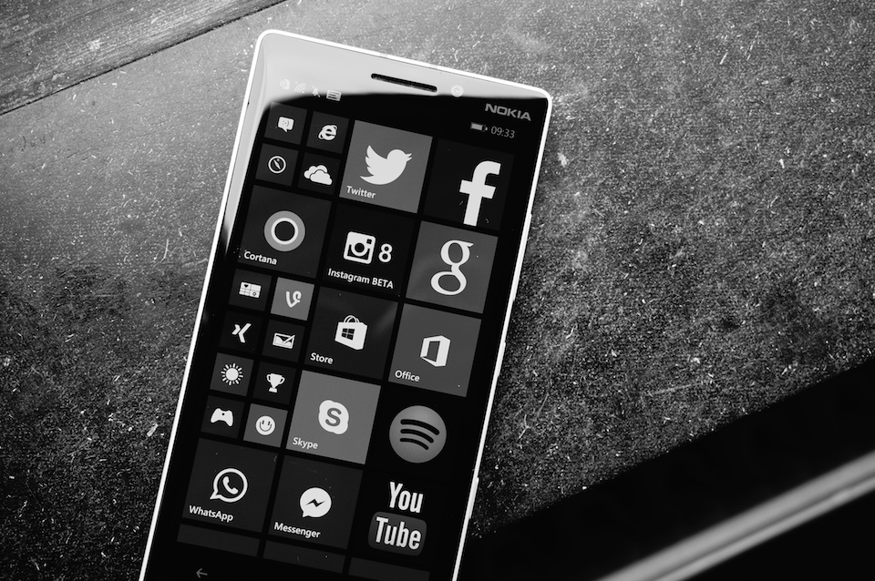 Iris Lumia microsoft scanner Windows xl