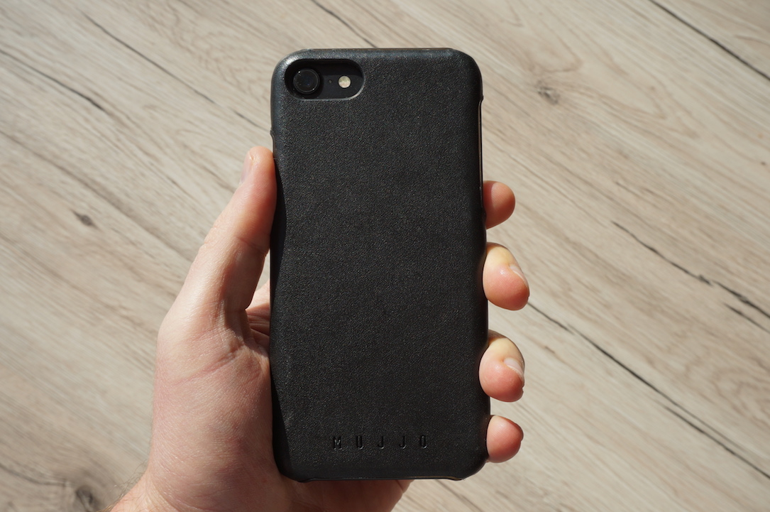 mujjo-iphone-7-leather-case-test6