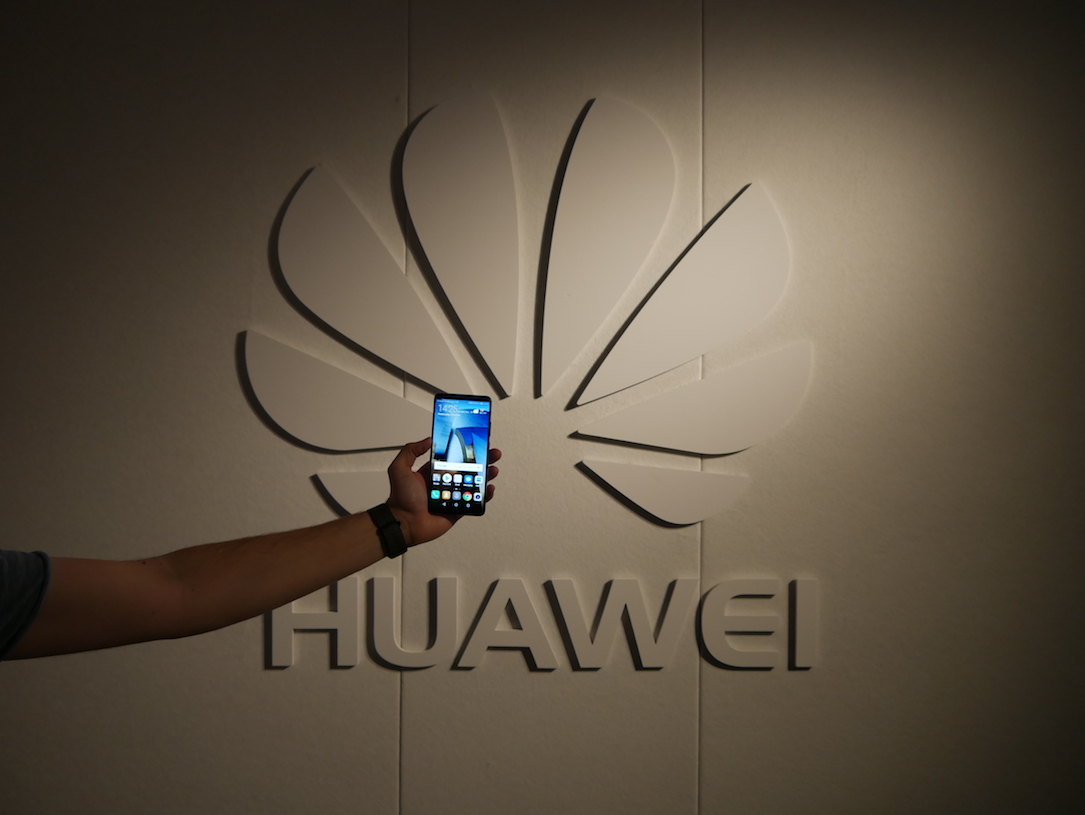 Android at&t CES2018 Huawei spionage usa