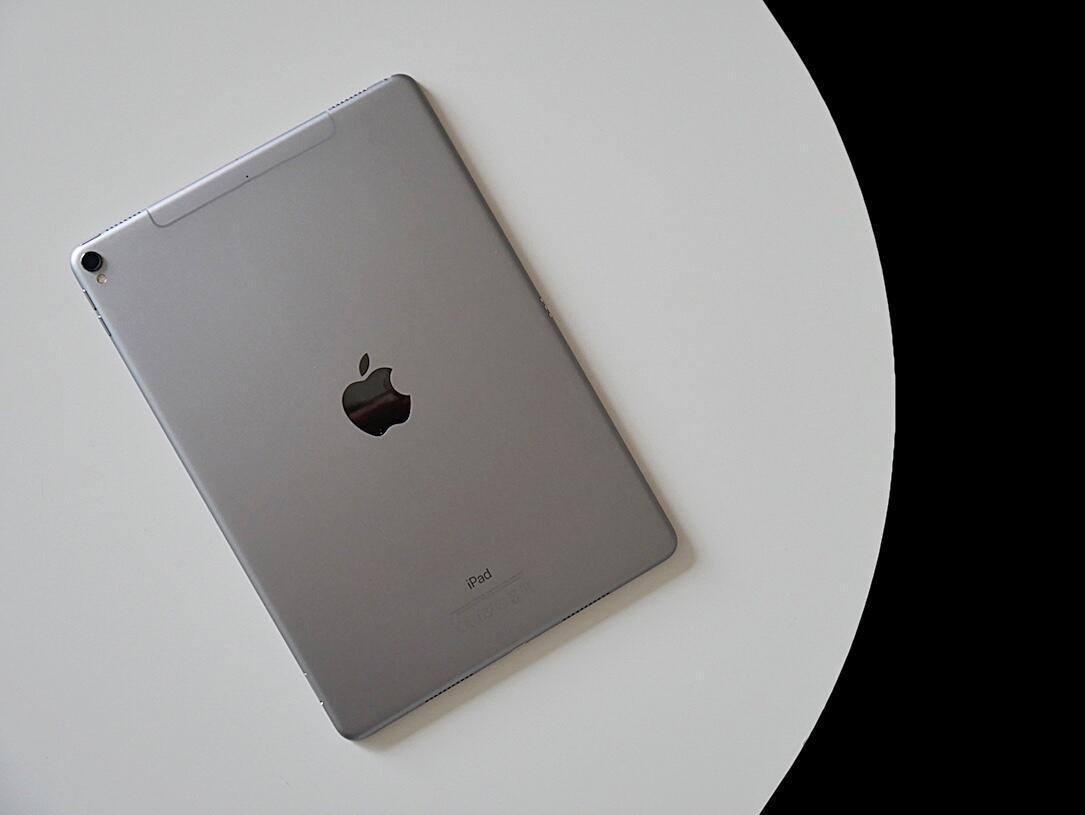 Apple event face id iOS iPad iphone märz Pro