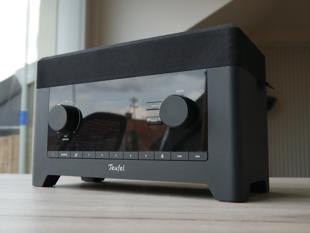 modernes radio teufel 3sixty im test. Black Bedroom Furniture Sets. Home Design Ideas