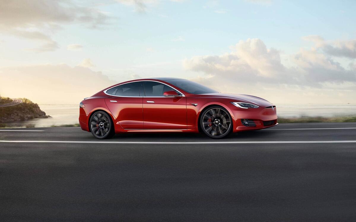Tesla: Model S und Roadster auf Rekordjagd