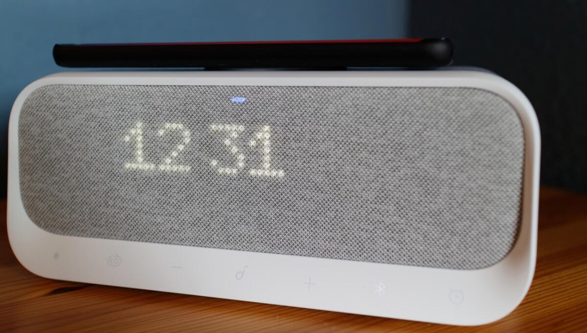 Anker Soundcore Wakey: Modernen Radiowecker mit Qi-Ladestation ausprobiert
