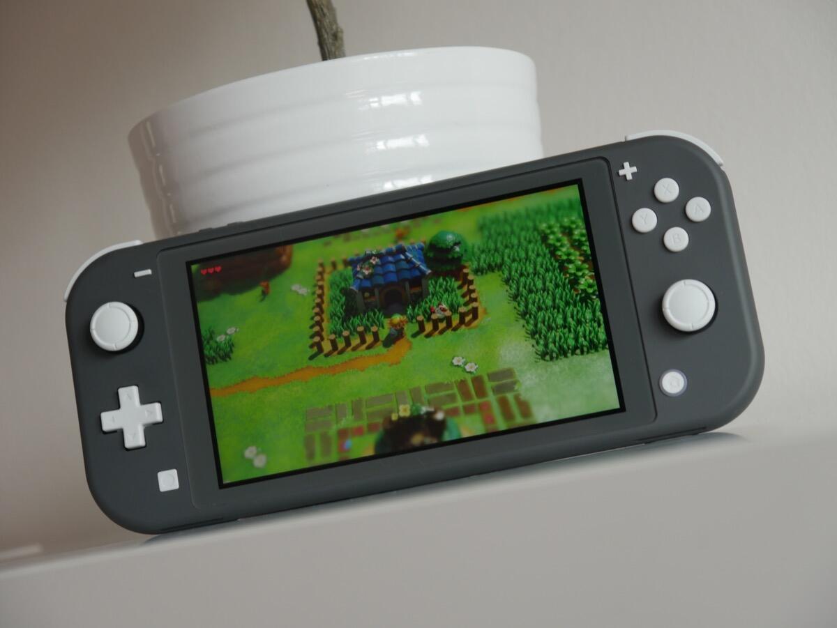 Nintendo Switch Lite und neues Zelda jetzt erhältlich
